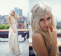 Rachel Lynch - Stone Cooper Crystal Headpiece, Harare Ny Custom Champange Dress - The honey moon dreamer