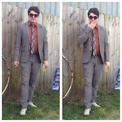 Matthew R - H&M Skinny Linen Suit, Uniqlo Skinny Tie, Unknown Shoes, Charming Charlie Shades - I'm Telling You Now