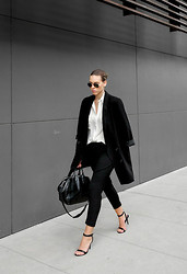 Kaitlyn Ham - Alexander Wang Antonia Minimalist Two Strap Sandal, Monki Oversized Black Boyfriend Blazer, Ray Ban Original Unisex Aviator Sunglasses, Camilla And Marc Hacker Harem Drop Crotch Pants, Camilla And Marc Silk Ivory Shirt Blouse, Alexander Wang Jamie Chain Leather Tote Bag - Suited Up.
