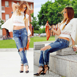 Elen Ellis - Ray Ban Sunnies, Zara Crop Top, Zara Boyfriend Jeans, Twinset Heels - Boyfriend today