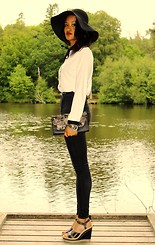 Rosy L'Evêque - Next White Blouse, Topshop Black Skinny Jeans, New Look Wedges - Let's Stroll!