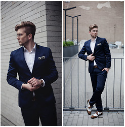 Lukasz Podlinski - Shoepassion Shoes, C&A Pants, C&A Jacket - Navy suit