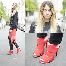 SARAH LOSS - Volfs Sweater Wolf, Nat & Nin Red Leather Bag With Fringes, Zara Red Heels, Zara Black Jeans - WOLF