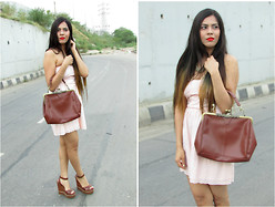 Pooja Mittal - Oasap Vintage Kisslock Closure Shoulder Bag - When it Got Vintage