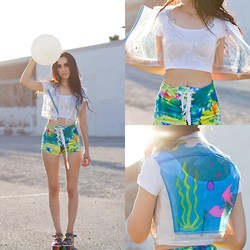 Linabugz . - Bad Vibes Prismatic Shorts, Unif Pvc Top, Michelle Uberreste Fish Tank Moto Vest - P.V.Sea