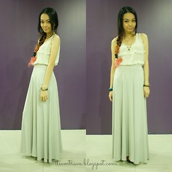Em Trava ♥ - It's Vintage Darling Ruffled Top, Stilesclothing Maxi Skirt, Random Jewelry, Wedge Booties - Clean lines