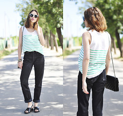 Saray Dansvogue - Miandco T Shirt, Levi's® Jeans, Parfois Sunglasses - Stripes and mum jeans