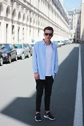 Rolandas Lušinskis - Ray Ban Sunglasses, Uniqlo Shirt, Cos Tee, Cheap Monday Jeans, Nike Sneakers - PARIS