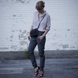 Lisa Dengler -  - CASUALLY DRESSED UP