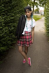 Kriste Mima - H&M Hm, River Island Skirt, Vans Trainers - School uniform or bad hipster?!