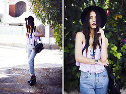 Sofia Reis - Zerouv Sunnies, Vitstyle Top, Pull & Bear Pants, Boots - LAVENDER