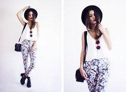 Sofia Reis - Sheinside Top, Zerouv Sunnies, Sheinside Pants, Dresslily Boots - ABSTRACT