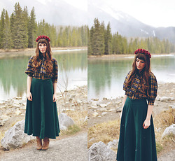 Amy Nelson - Oasap Skirt, Thrift Store Blouse, Crown And Glory Floral, Thrift Store Boots - The mountain life