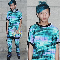 King Htut - Isolated Heroes Choker, Isolated Heroes Cosmic Dreamz Tee, Isolated Heroes Cosmic Dreamz Pants, Yru Qozmo Creepers, Somewherexnowhere Unicorn Clutch - Cosmic Dreamz