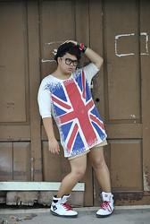 Genniel mark Angeles - U.K Flag T Shirt - U.K