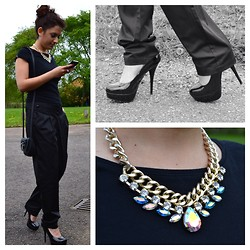 Layla D - Next Shoes, Marks And Spencer Trousers, New Look Cross Body Bag, Debenhams Necklace - All Black Outfit
