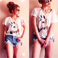 Nesairah Nesstyle - Wildfox Couture T Shirt - WILDFOX UNICORN