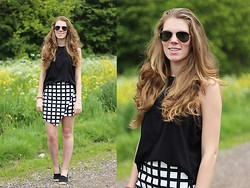 Life Of Roshelle - Primark Skirt, New Look Black Top, Hema (Dutch Store) Espadrilles - Printed skirt