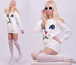 Oksana Orehhova - Tidestore Jumper, Tidestore Tights, Frontrowshop Sunglasses - KITTY ANGEL