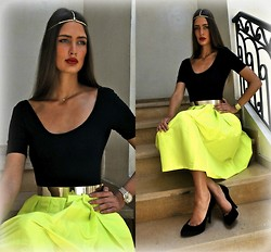Amina Allam - Choies Head Jewelry, American Apparel Bodysuit, Melany Brown London Belt, Choies Midi Skirt, Dolce & Gabbana Velvet Pumps - Premiere outfit
