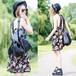 Agata P - Stylemoi Backless Floral Dress, Frontrowshop Two Ways Leather Look Backpack, Banggood Boots, H&M Hat - Wanted Dead Or Alive