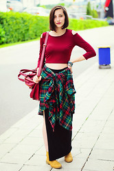 Evilish Queeny - Frontrowshop Off The Shoulder Crop Top, Nowistyle Plaid Oversize Shirt - Wine & Dine