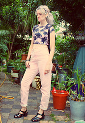 Roxanne Rokii - Rokii.Co.Uk Palm Trees Top, Topshop Pink Mom Jeans, Juju Jelly Shoes - 16-06-14 - Palm Trees Top and Pink Boyfriend Jeans