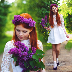 Evamaria K - Dahlia Dress, Seppälä Shoes - Look! I brought you some flowers!