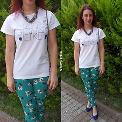 Rebel Takipte - Tb Dress Letter Printed Tshirt, Tb Dress Chain Necklace, Tb Dress Pants - Likers Gonna Like!