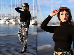 Jessica Biancon - Uniqlo Turtle Neck, Minkpink Pants, Asos Sunglasses, Asos Heels - Baggy Trousers