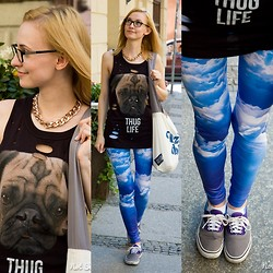 Joanna B - Voodoo Girl Top, Sugarpills Clouds Leggings, Vans Sneakers - Clouds leggings
