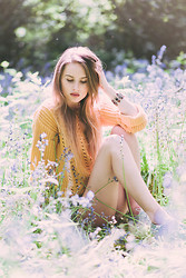 Georgie P - Topshop Stone Bracelet, Mustard Jumper, Urban Outfitters Mint Shoes - Amongst The Bluebells