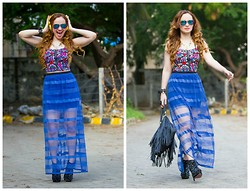 Stephanie Timmins - Chicnova Crop Top, Splash Sheer Maxi Skirt, Ray Ban Sunglasses, H&M Fringe Bag, Jolly Chic Ankle Boots - Scream & Shout & Let it All Out !