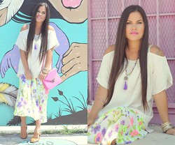 Sue Figueroa - Forever 21 Forever21, Oasap Floral Skirt, Beadmania Beaded Necklace, Chicnova Buckle Sandals - Pink Overload