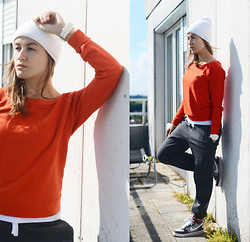Veronika T - H&M Pants, Nike Sneackers, H&M Hat, Befree Sweater - WHEN IT'S COLD OUTSIDE