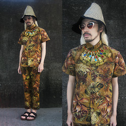Andre Judd - Marni Straw Hat, Ken Samudio Neckpiece With Colored Crystals, Jaggy Glarino Shirt And Cropped Trousers, Wearvintage Gold Cats Eye Frames - DRY SUMMER