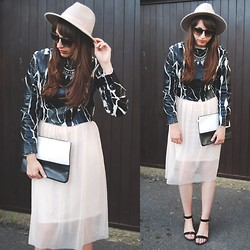 Amy-Rose W - Asos Crack Sweat, Topshop Tulle Dress, Primark Clutch - No Sweat
