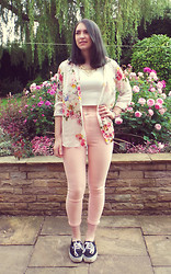Lydia Rose P - New Look Crop Top, River Island Floral Blouse, Topshop Pink High Waisted Jeans, Vans, Miss Selfridge Necklace - Floral