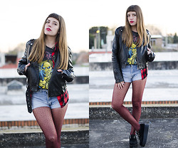THE CLOSET Blog - Apogeo Dotted Tights, Black Leather Jacket, Tartan, Plaid Shirt, High Waisted Vintage Shorts, Ebay Black Suede Creepers - Iron Maiden