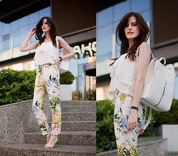 Viktoriya Sener - Sheinside Tank Top, Sheinside Pants, Zara Sandals, New Look Backpack - JUST WHITE