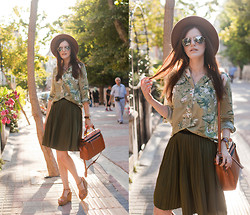 Viktoriya Sener - Modparade Blouse, Chic Wish Skirt, Blackfive Bag, Asos Sandals, Zara Hat, Wholesale Celebshased Sunnies - SAFARI
