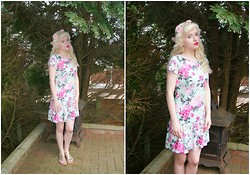 Ava Clarice Hornby - Primark Mint Rose Floral Dress, Primark Sandals, Primark Head Crown, Primark Earrings - A Secret Garden...