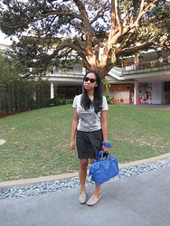 Aileen A. - Charlie Black Sunglasses, Converse Gray Graphic Tee, Cotton On Animal Print Skirt, Random Bracelets, Parisian Blue Handbag, Cole Vintage Gray Oxfords - Not A Bad Thing