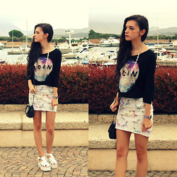 Chiara G - H&M Skirt - Fly me to the moon ☆ミ