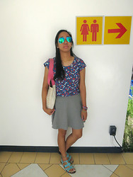 Aileen A. - Fly Shades Flash Lens, Landmark Floral Top, Billabong Tote Bag, Forever 21 Gray Skirt, Random Bracelets, Solemate Turquoise Sandals - I Will Find You