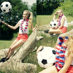 Valerie A - Clarks Desert Boot, Forever 21 Orange Short, Forever 21 White Shirt - Go Netherland! - World Cup Brazil 2014