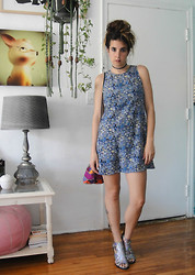 Christine Bourie - Total Recall Vintage Blue And Green Floral Print Shift Dress, Total Recall Vintage Tribal Purse Bag, Miista Holographic Sandals, Total Recall Vintage Black Tattoo Choker - Sunday Funday.