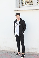 Ayoub Mani - Hoodie Homsick, Top Fivepoundtee, Cheap Monday Jeans, Watch Modekugen, Choies Sneakers - The end is where we begin