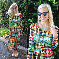 Lauren Vandiver - Chicnova Dress, Flash Tattoo Temporary, Ray Ban Sunglasses, Kendra Scott Earrings, Kendra Scott Bangles, Kendra Scott Ring, Pixie Market Sandals - MAXI FEST