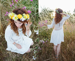 Delightfully Tacky . - Handmade Flower Crown, Chic Wish Dress, Modcloth Heels - FLOWER CHILD